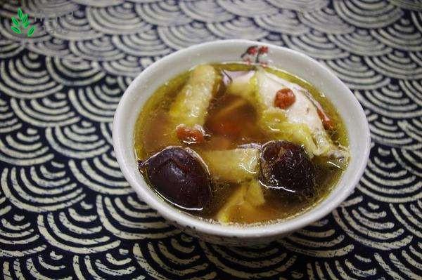 花旗参邂逅乌鸡 夏日最适合饮用的一款汤